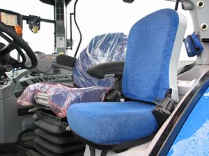 Passagerarsätet är mycket bra och nedfällt kan det även användas som bord.