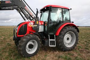 Zetor 8541 Proxima Plus är minst i en serie från den tjeckiska traktortillverkaren. Totalt finns det tre storlekar i Proximaserien.